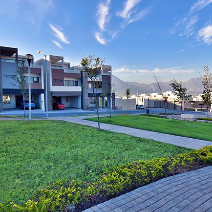 Foto de casas en venta en Cumbres San Agustín, amenidades, parque central.